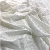 Tissu broderie anglaise blanche